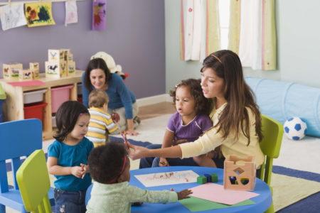 Actividades lingüísticas que puede realizar con niños pequeños @ Online